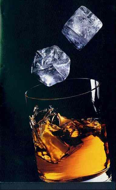 Drambui ice cubes and glass enlarged